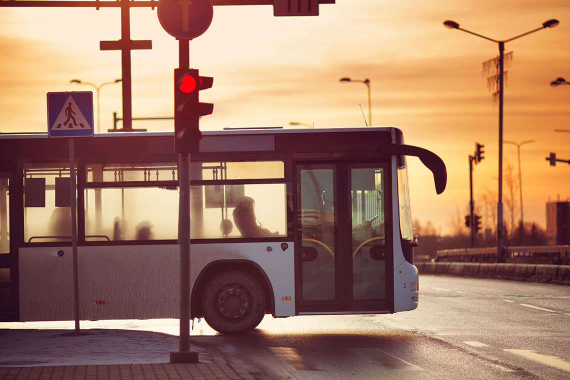 lagging-bus-network-city