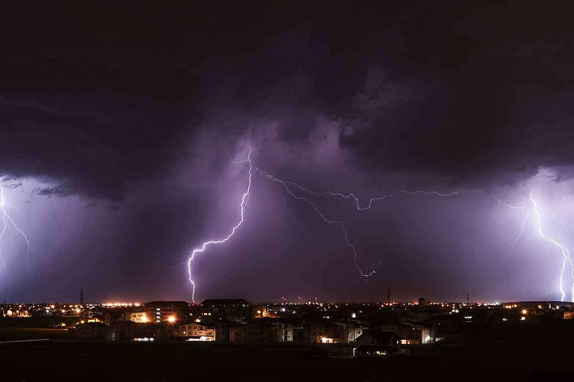 How Naples Residents Can Stay Safe During a Lightning Strike Hero Image