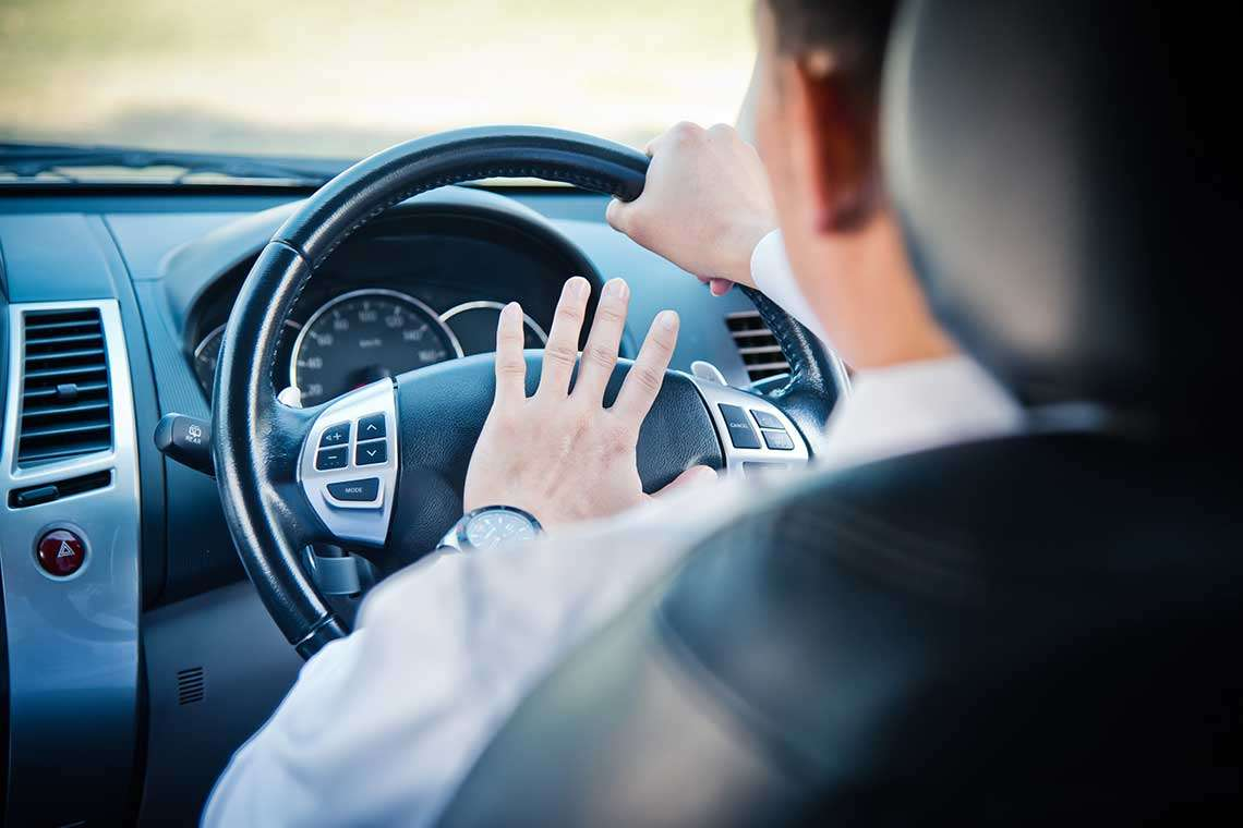 how-you-can-avoid-aggressive-driving-situations-photo