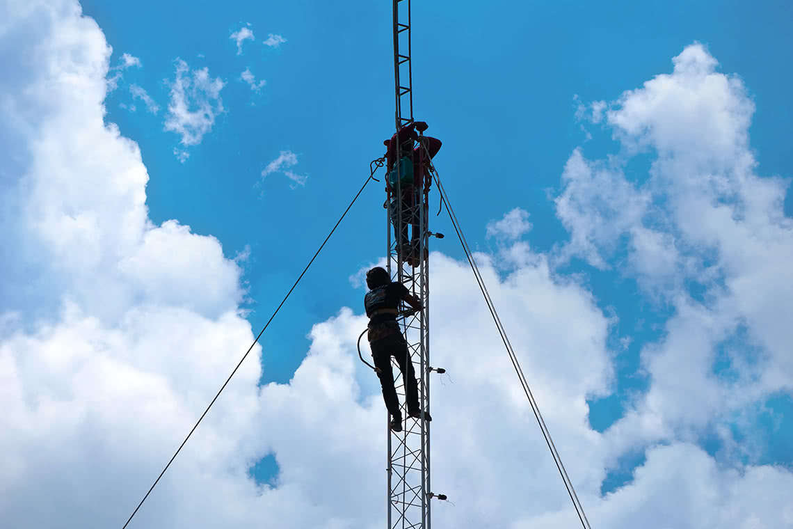 Open Class Action Lawsuits >> Our Attorneys Help Cell Tower Workers
