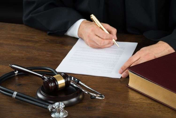 Choosing a Medical Malpractice Attorney - How to Decide