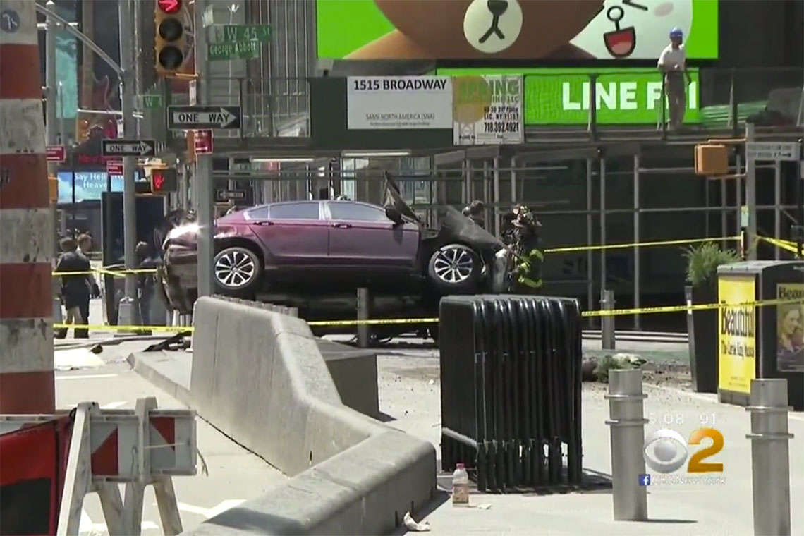 Times Square Car Crash Kills Woman, Injures 22 Others Hero Image